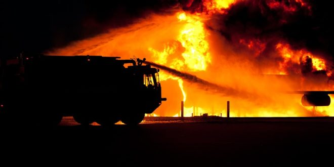 Grosso incendio nella notte nel NAPOLETANO: distrutta abitazione!