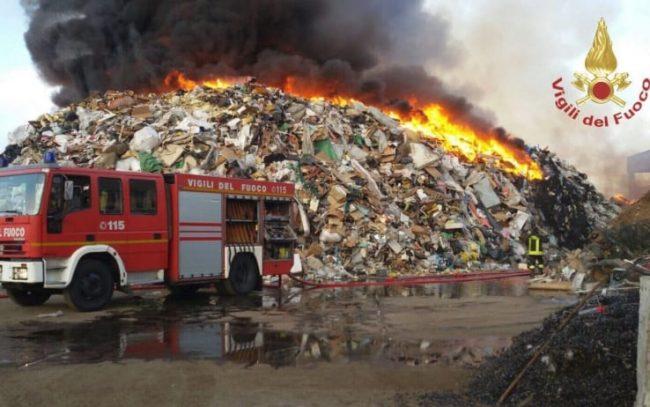 Incendio Mortara (PV): grave allerta diossina in Lombardia