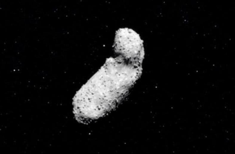 Asteroide Itokawa, grande scoperta : trovate tracce di acqua sulla roccia spaziale
