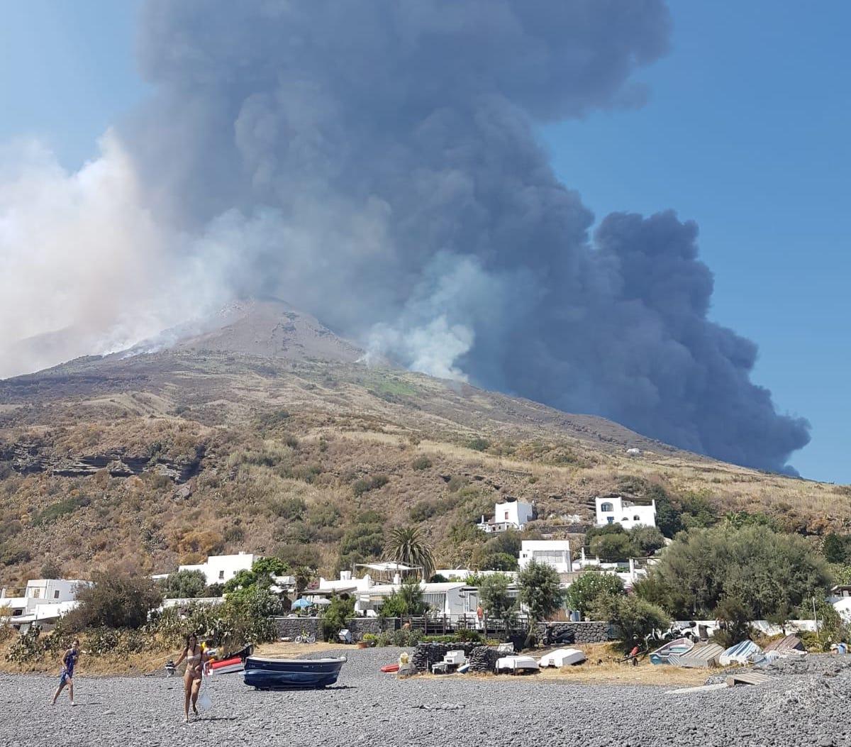 Violenta eruzione dello Stromboli: il comunicato INGV e gli ultimi aggiornamenti