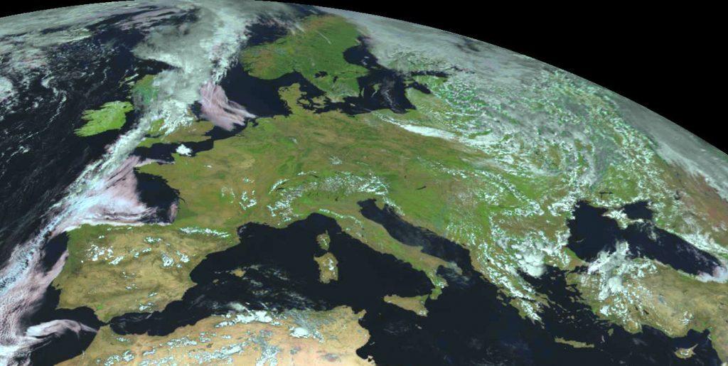 La Terra torna a respirare col coronavirus: drastica diminuzione dell'inquinamento ma in Italia...