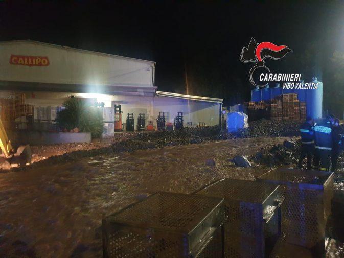 Ultim'ora: nubifragio lampo in Calabria, frane e auto sommerse nel vibonese
