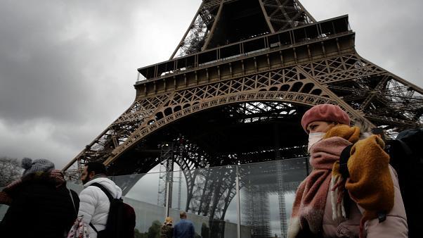Coronavirus in Francia: oltre 2000 vittime in 24 ore, STRAGE nelle case di riposo