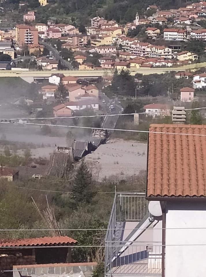 Ultim'ora: crolla ponte in Toscana, nei pressi di Aulla