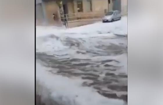 Forte maltempo in Puglia: fiumi di grandine a Latino, nel brindisino