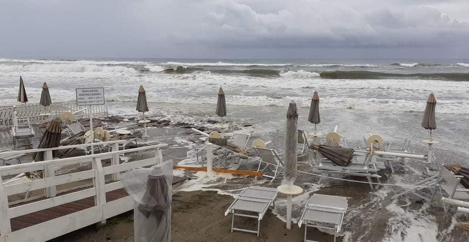 Lazio: forti mareggiate devastano i lidi del litorale di Latina
