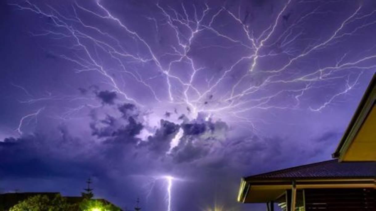 Brasile: è record del fulmine di oltre 700 km, il più lungo del mondo