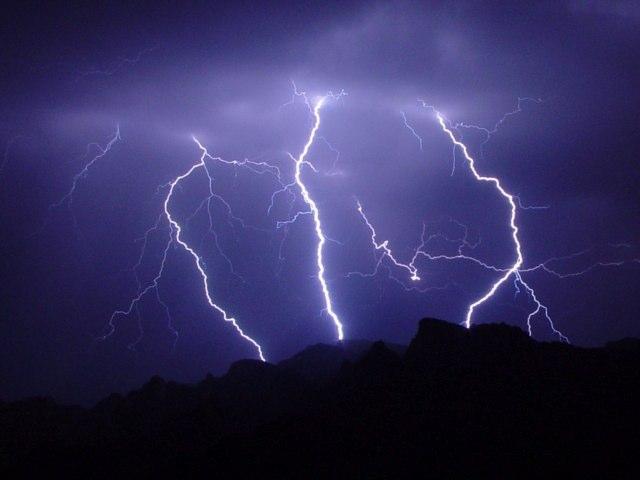 Sfuriata di temporali nelle prossime ore, si comincia dal nord e dal pomeriggio