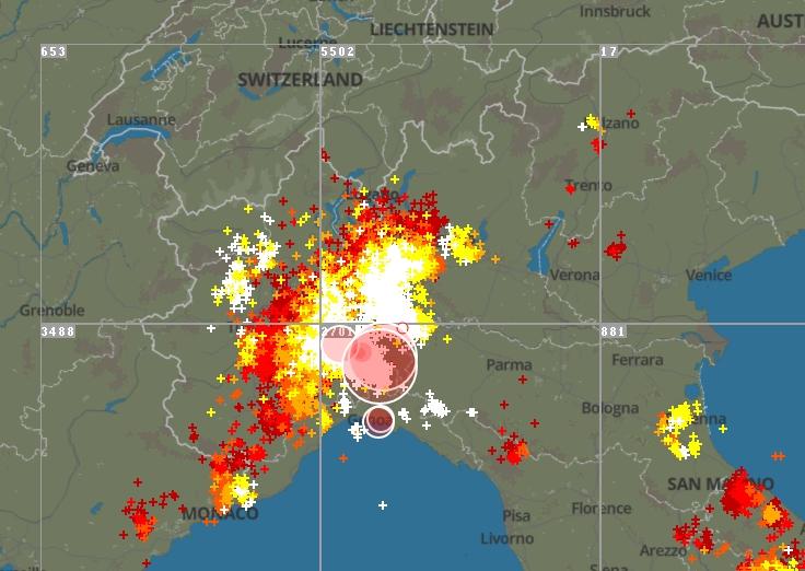 Intenso fronte temporalesco al Nord: nubifragio con grandine su Milano