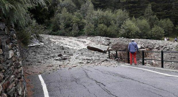 Maltempo al Nord, tragedia in Lombardia: colata di fango travolge automobile