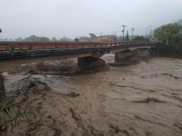 Ciclone in Grecia: devastante maltempo con inondazioni e frane, vittime e dispersi