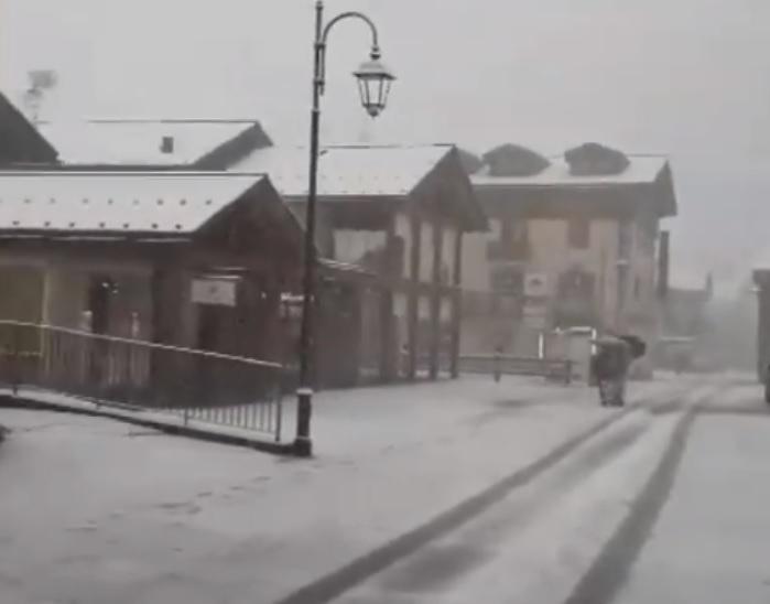 Ritorna la neve sulle Alpi: imbiancata Livigno