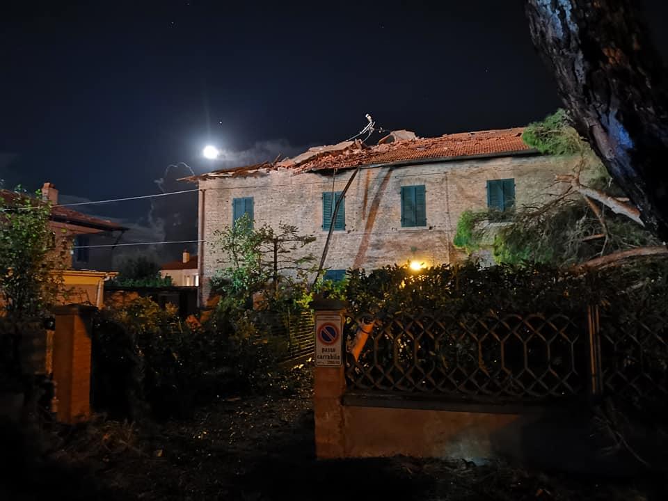 Tornado sulla costa livornese, danni e 8 feriti a Rosignano