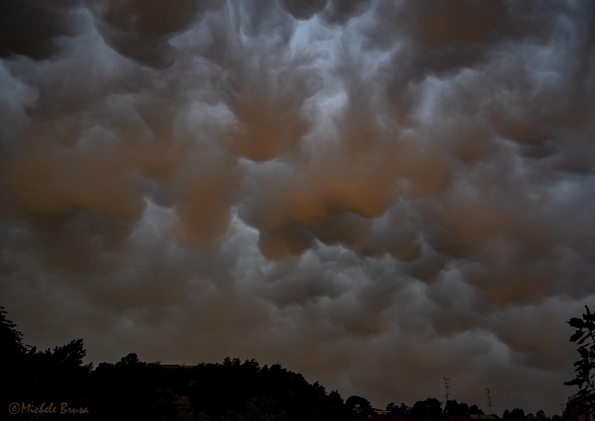 Maltempo di stampo autunnale, forti piogge e nubifragi al nord: superati 200 mm in Piemonte