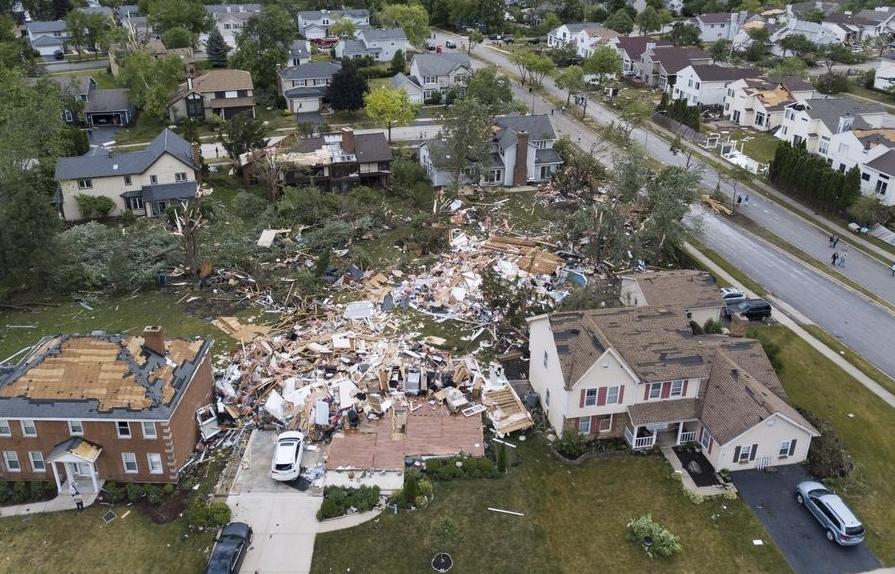Tornado alla periferia di Chicago