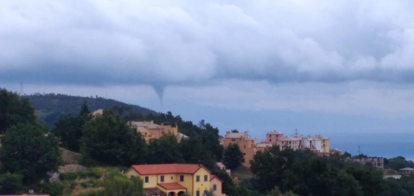 Genova: tromba marina arriva sulla costa di Voltri