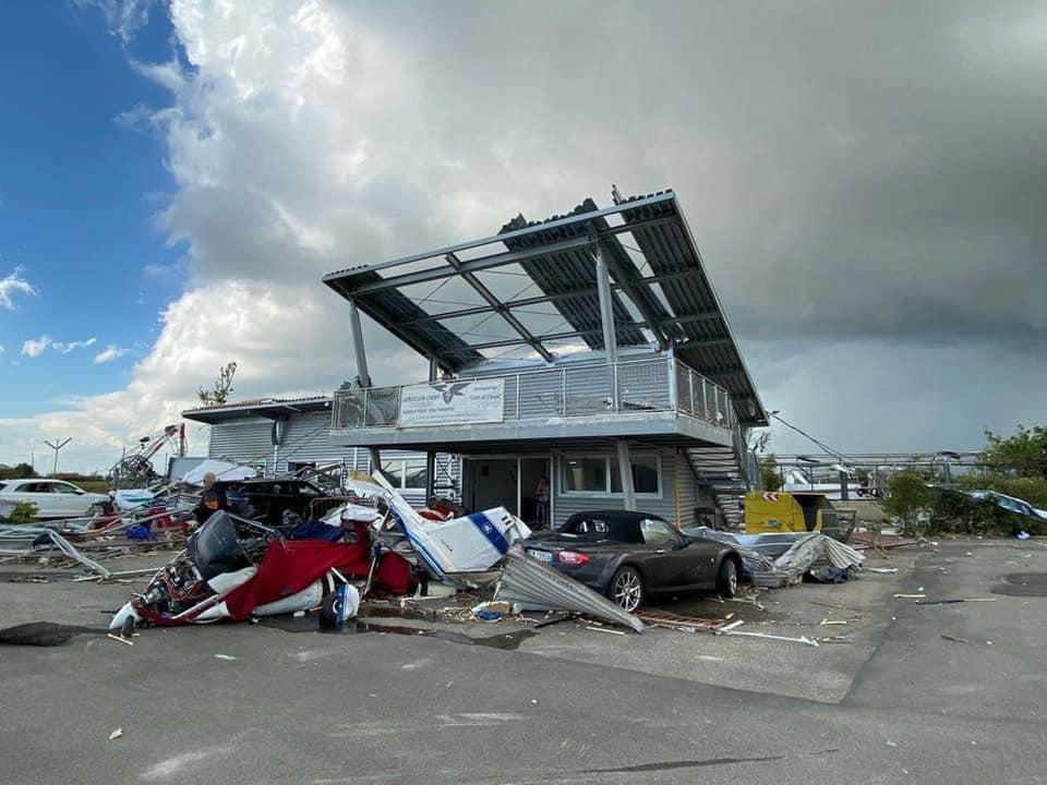 Tornado si abbatte nel modenese, devastato l'aeroporto di Carpi