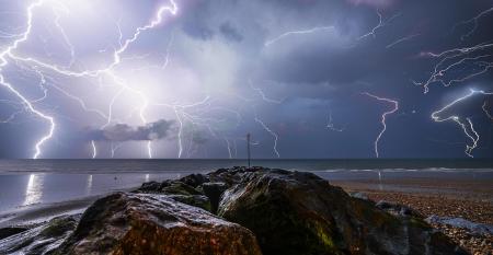 In arrivo temporali forti anche sul Varesotto, emessa la nuova allerta meteo